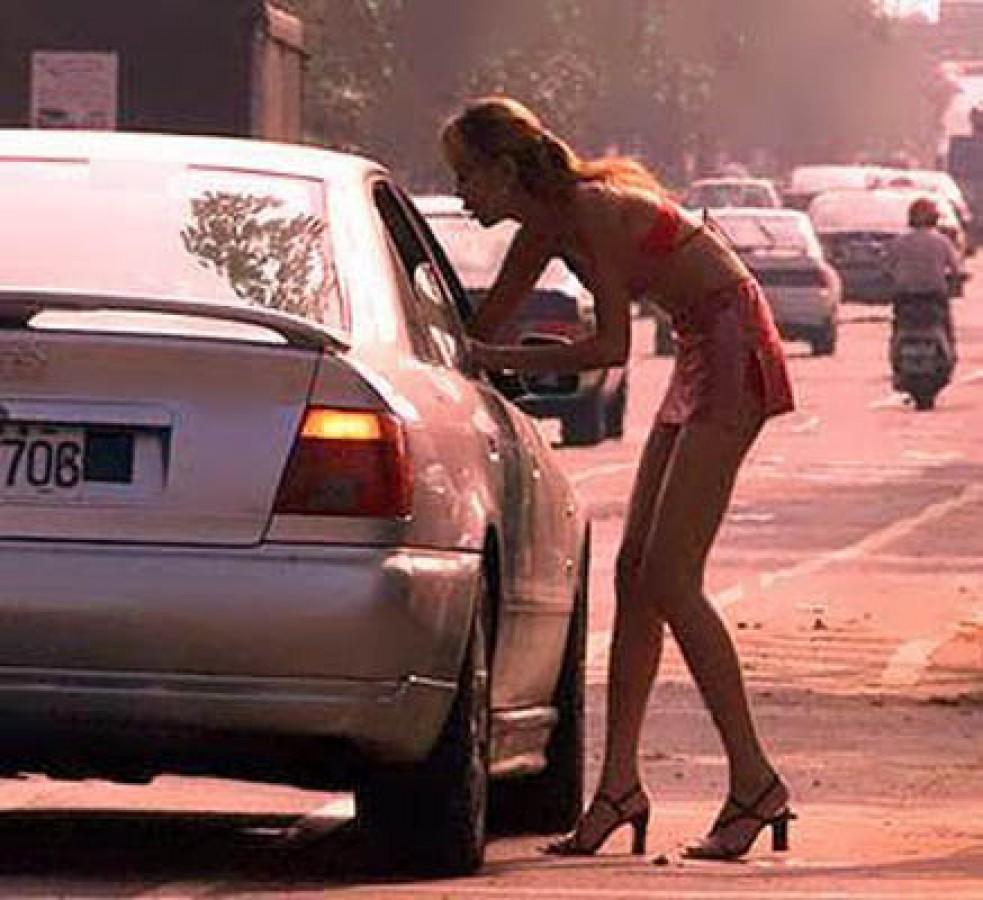 Где снять проститутку в Тюмени пер Дорожный снять проститутку в донецке цена